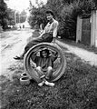 Street view, girls, double portrait, sewerage Fortepan 15386.jpg