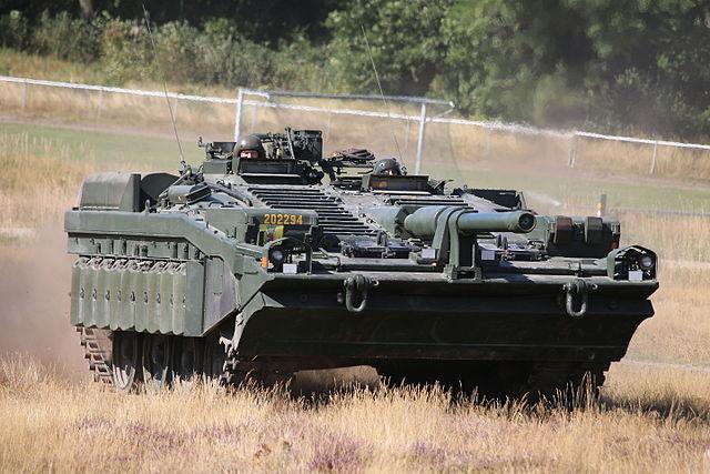 640px-Stridsvagn_103_Revinge_2015-1.jpg