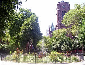 Stuyvesant Square - Image: Stuyvesant Square fountain St. George Church