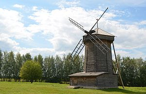 Log building - Image: Suzdal Windmill