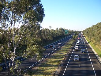 M5 Motorway (Sydney) - M5, view east from Beaconsfield Street overpass at Revesby