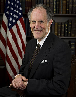 Ted Kaufman, official Senate photo portrait, 2009.jpg
