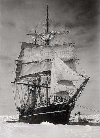 הטרה נובה תקועה בקרח, לא רחוק מיבשת אנטארקטיקה (ויקיפדיה) - הפודקאסט עושים היסטוריה עם רן לוי