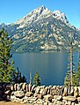 Teton Peak from Jackson Lake 8-11 (15084290808).jpg