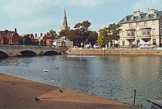 Civil parishes in Bedfordshire - Image: The bridge over the Great Ouse, Bedford geograph.org.uk 1516548