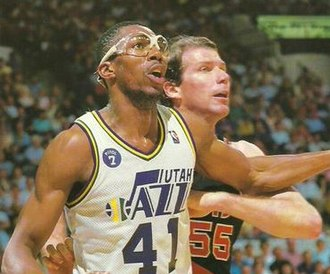 Thurl Bailey - Bailey (left) being guarded by Kiki Vandeweghe, circa 1988