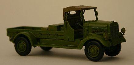 Modellino DIE CAST Dinky Toys Triumph TR2 Sports 111 Rosa ATLAS 1//43 Nuovo