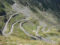 Transfagarasan twisty road.jpg