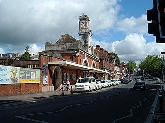 Tunbridge Wells railway station - Tunbridge Wells station, eastern approach (Mount Pleasant Road)
