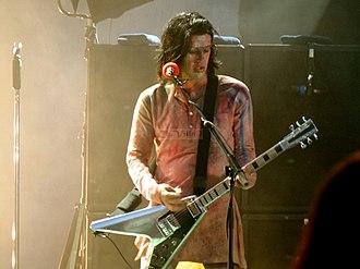 "Born Villain - Twiggy performing during the ""Hey Cruel World... Tour""."