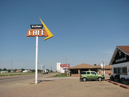 The Midpoint Cafe in Adrian, TX, at the midpoint of the route US66 midpoint cafe Adrian TX.jpg