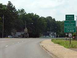 US 65 entering Dumas, Arkansas.jpg