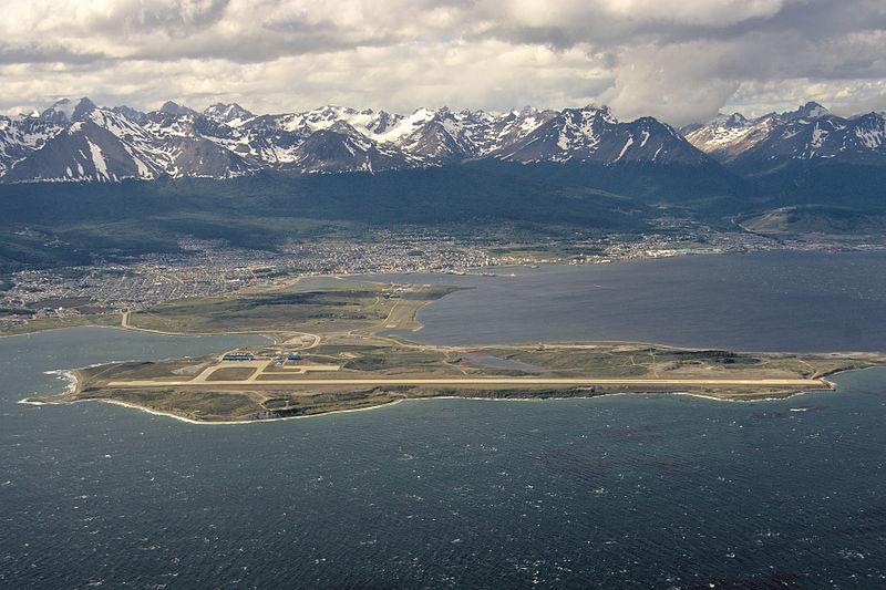 Ushuaia tem aeroporto?