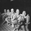 Verbetering van twee Nederlandse records door de zwemclub Naarden, vlnr Ad, Bestanddeelnr 911-0867.jpg