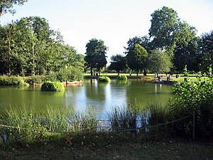 Victoria park bathing pond.jpg