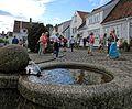 Viele Blumen schmücken im Sommer die Altstadt von Stavanger. 03.jpg