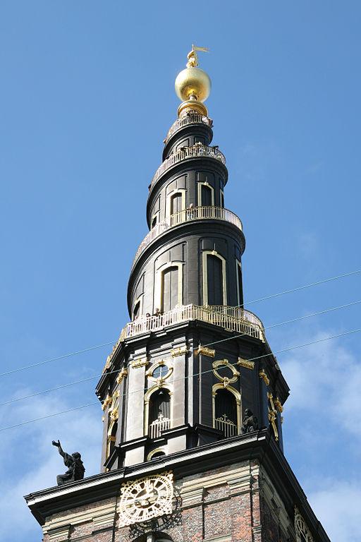 Clocher en spirale de l'église Saint Sauveur à Copenhague.
