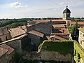 Vue de l'église-forteresse de Pérouges depuis la tour de guet - 3.JPG
