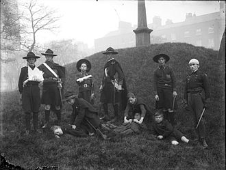 Fianna Éireann - Fianna Scouts engaged in field medical training, c.1914