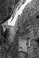 Waltensburg-Vuorz. Ruïne Burg Kropfenstein (Casti Grotta) (d.j.b.) 05.jpg