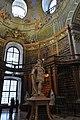 Wien, Österreichische Nationalbibliothek, Prunksaal (1726) (38751263265).jpg