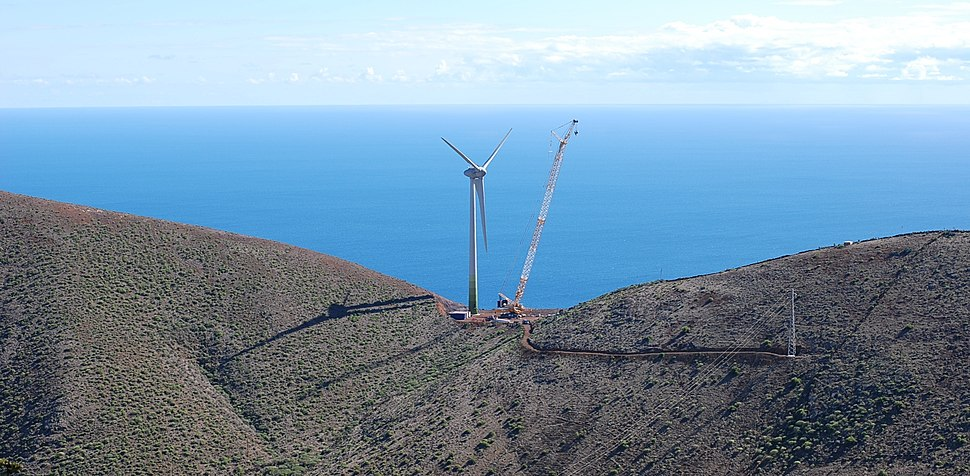 Wind turbine 2.5mw on el hierro island