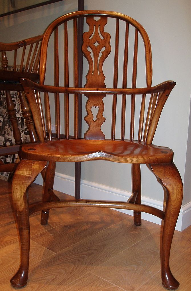 Windsor Georgian Double Bow chair with cabriol...