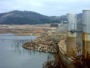 Wyangala Dam - Wyangala Dam and Lake Wyangala, 2003, during a period of sustained drought