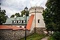 Zamek Kazimierzowski w Przemyślu mury z basztami 05 prnt.jpg
