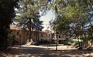 Zane Grey Estate - Image: Zane Grey Estate in Altadena, CA. Driveway view from Mariposa Avenue