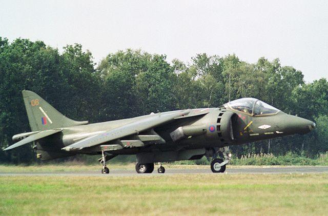 640px-%2206%22_British_Aerospace_Harrier_GR5_Royal_Air_Force._%285644095683%29.jpg