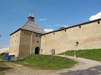 Staraya Ladoga - Image: Вход в крепость