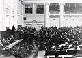 Группа депутатов Четвертой Государственной думы в зале заседаний Таврического дворца.jpg