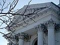 Костел Іоанна Предтечі, фронтон.jpg