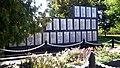 Смт. Білолуцьк. Братська могила радянських воїнів.jpg