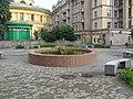 Стачек 54 и фонтан в сквере.jpg