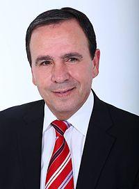 דוד בונפלד, ראש העיר באר שבע בשנים 1997-1998.