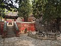 潭柘寺龙潭 - Dragon Pool of Tanzhe Temple - 2012.04 - panoramio.jpg