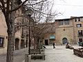 032 Plaça Gran (Santpedor), al fons la capella de Sant Andreu.JPG