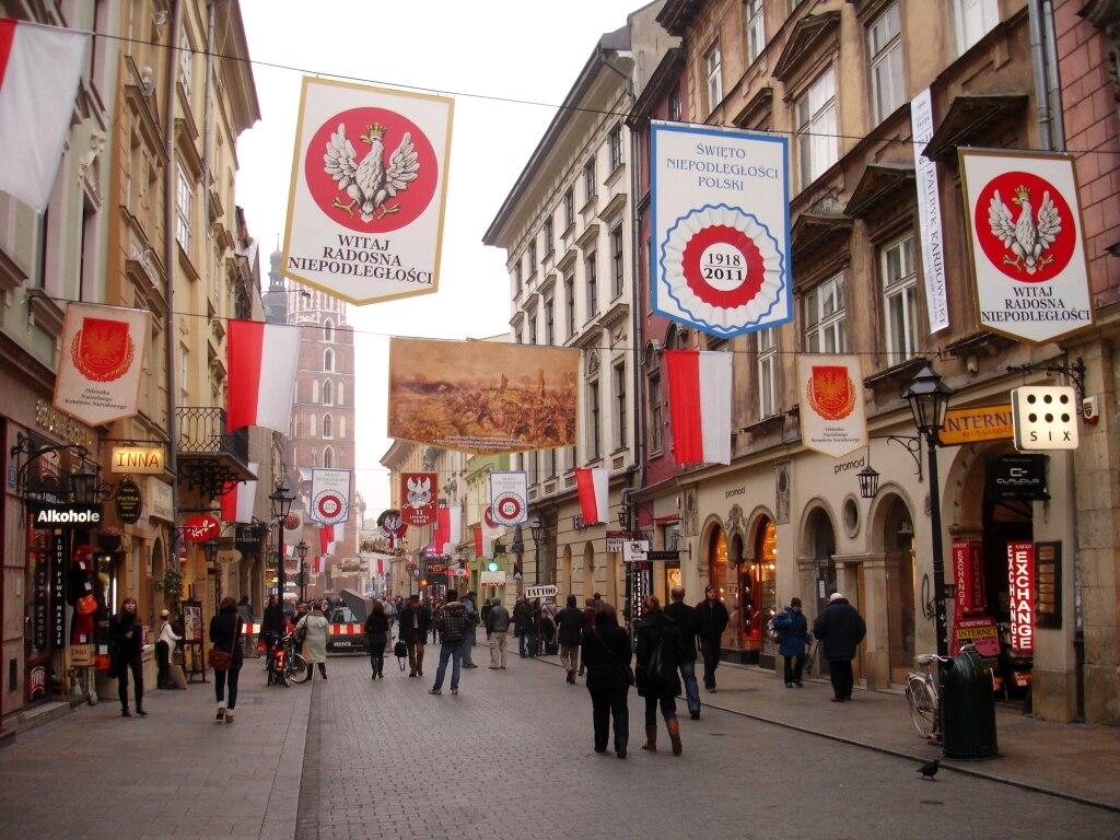 05445 Floriańska Straße in Krakau um den Tag von Unabhängigkeit von Polen, 2011
