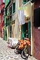 0 Burano, façades des maisons sises au 392 et 393, Calle dei Saladi.JPG
