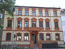 Mietwohnhaus und Nebengebäude