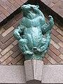1160 Thalheimergasse 34-38 Stg. 9 - Friedrich Becke-Hof - Keramik-Wandplastik Lippenbär IMG 8053.jpg