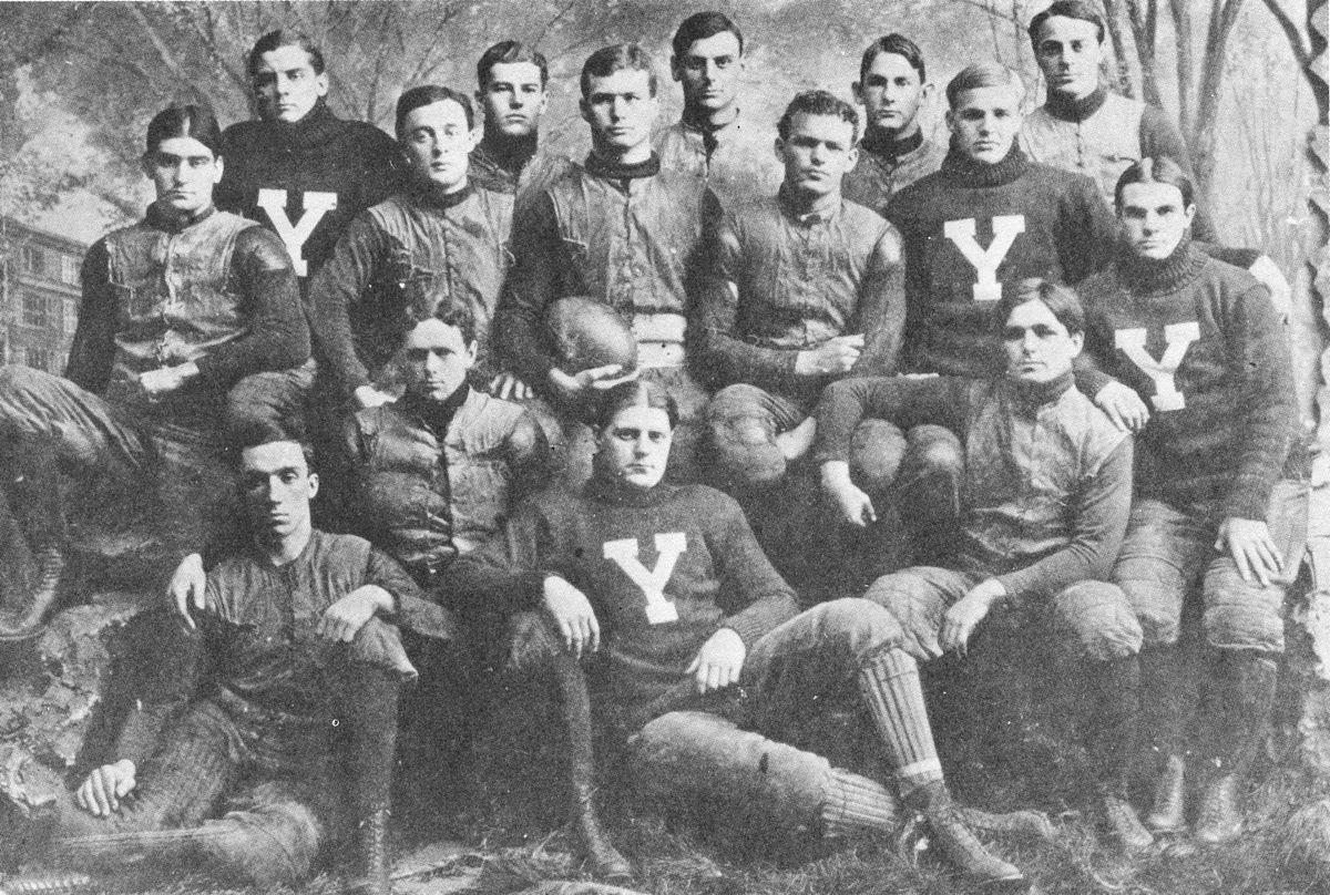 1900 Yale Bulldogs foo...