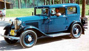 1932 Ford - Image: 1932 Ford Model B 55 Standard Tudor Sedan CXXXX7