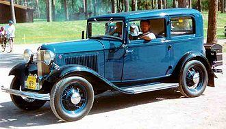 1932 Ford - Image: 1932 Ford Model B 55 Standard Tudor Sedan CXXXX7