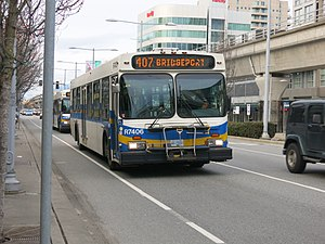 Coast Mountain Bus Company - Image: 2000 D40LF R7406
