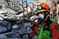 2010년 중앙119구조단 아이티 지진 국제출동100118 중앙은행 수색재개 및 기숙사 수색활동 (94).jpg