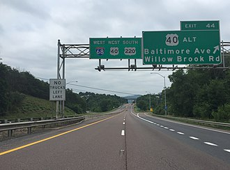 Interstate 68 - I-68/US 40/US 220 concurrency in Cumberland