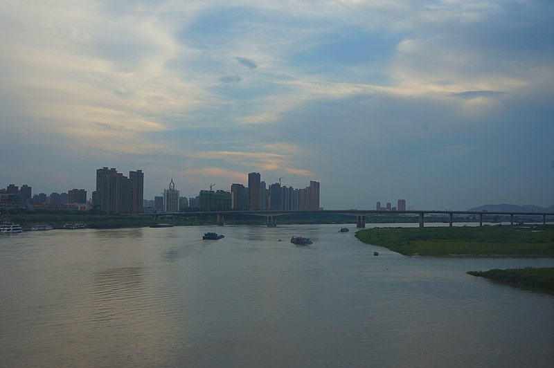 File:201806 Bengbu and Huai River.jpg